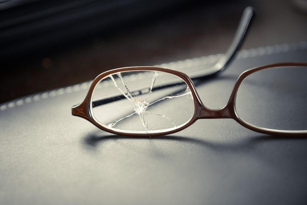 Riparazioni e adattamenti occhiali